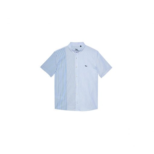 Straight-fitting, short-sleeved shirt in cotton-blend fabric with striped pattern. Embroidered dachshund on the left side.