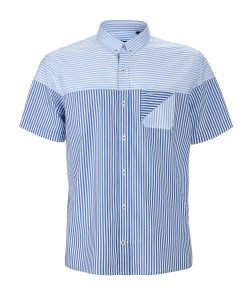 Straight-fitting, short-sleeved shirt. Made from pure cotton with striped patchwork effect and complete with chest pocket. Embroidered dachshund on the left side and buttoned collar.